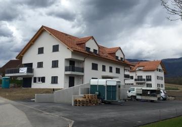 Deux immeubles locatifs à Mathod